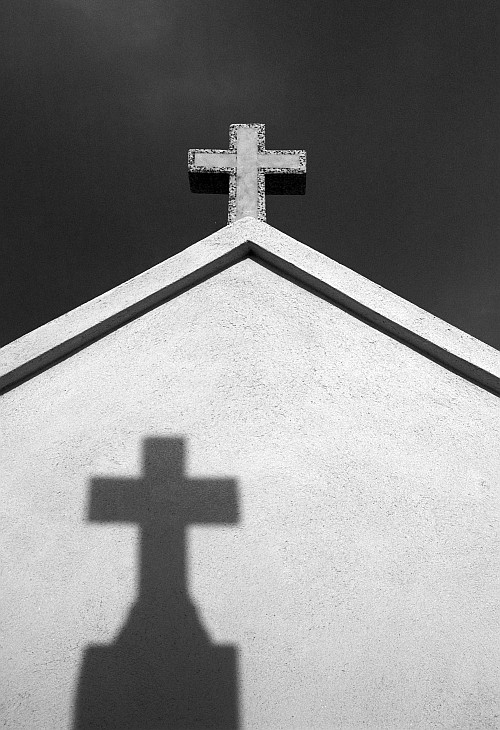 Cross/shadow