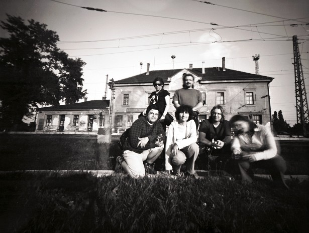 Budapest photobloggers - the pinhole division | Homemade 4x5 pinhole camera