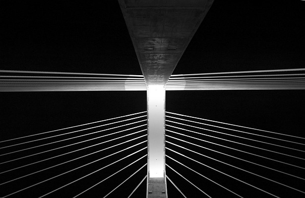 Megyeri bridge revisited #3 || Nikon D70 | Nikon VR 18-200mm@18mm | 1/5 sec | F/4.5 | ISO 800