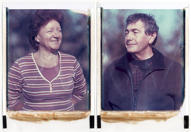 A happy couple || Graflex Speed Graphic with Fuji PA-145 holder | Kodak Aero Ektar 178mm | Polaroid ID-UV (expired)