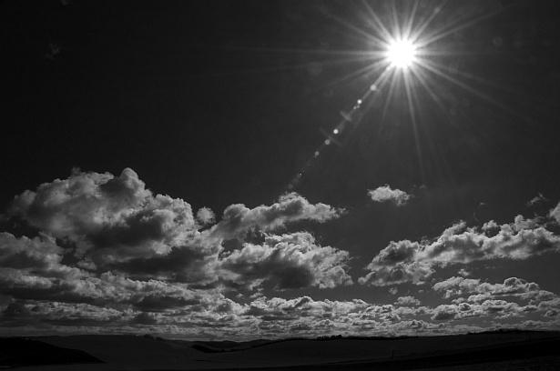 Chasing clouds || Nikon D300 | Nikon VR 18-200mm@18mm | F/22 | 1/100 | ISO 100