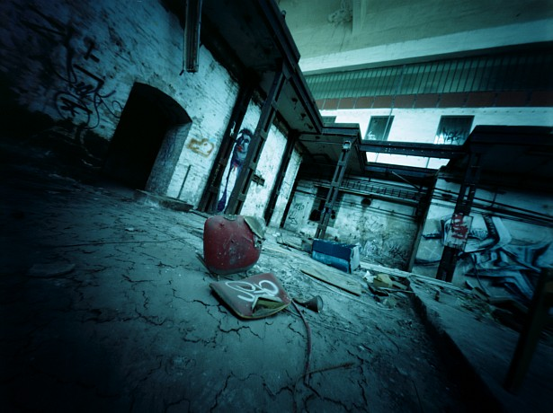 Abandoned #2 || Zeroimage 4x5 with roll film holder | F/138 | Fuji Pro 160C (expired)