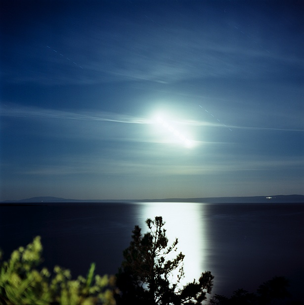 Full Moon over the Adriatic Sea || Yashica Mat-124G | Yashinon 80mm F/3.5 | Kodak Ektar 100