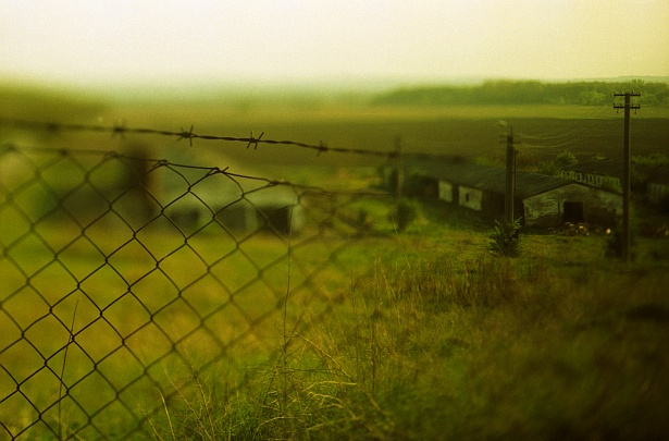 Keep out || Nikon F3 | Homemade Tilt-shift lens | Cinematic film