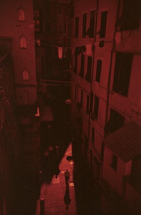 Genova #2 || Lomo LC-A | Fuji Superia 400 - redscale