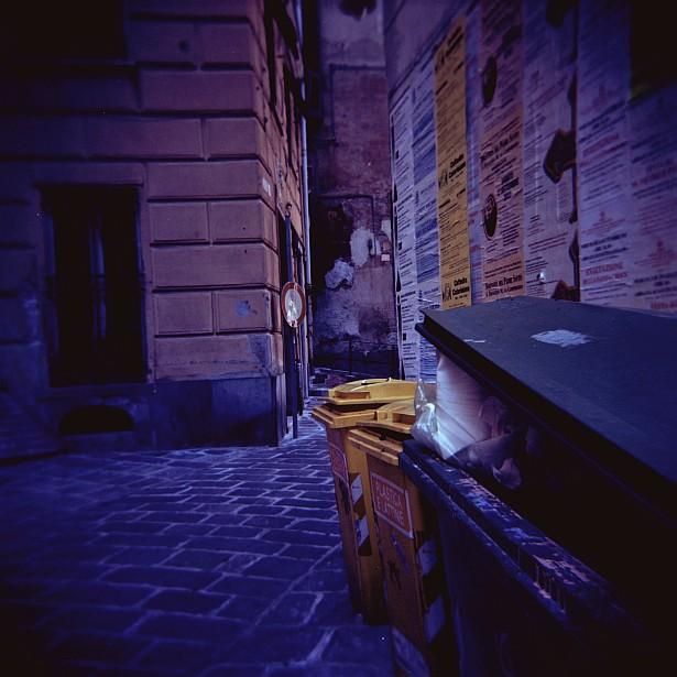 Genova || Holga | Kodak Ektar 100