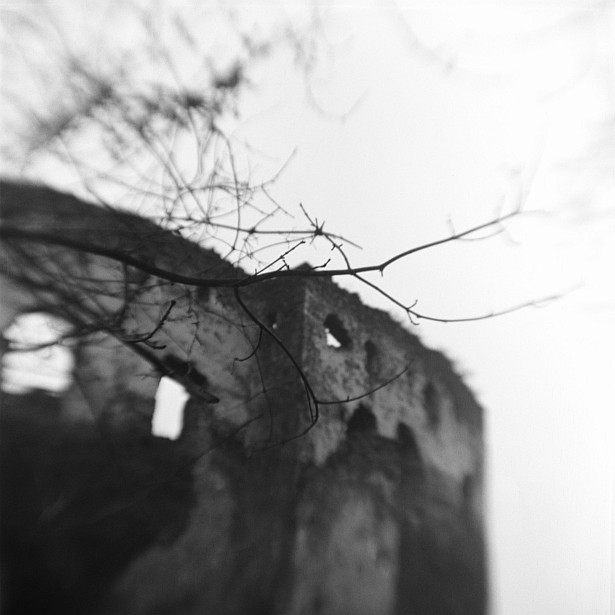 Castle of Somló || Kodak Brownie Hawkeye Flash with flipped lens | Foma Fomapan 100