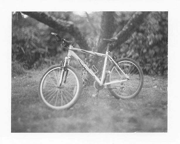 Ready to roll || Graflex Speed Graphic | Kodak Aero Ektar 178mm | Polaroid Type 72 (expired)