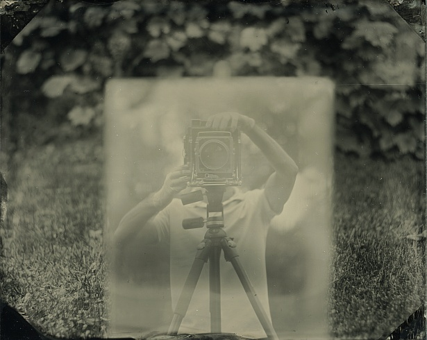 Me, myself and my Graflex || Graflex Speed Graphic | Kodak Aero Ektar 178mm | Wet plate collodion on clear glass